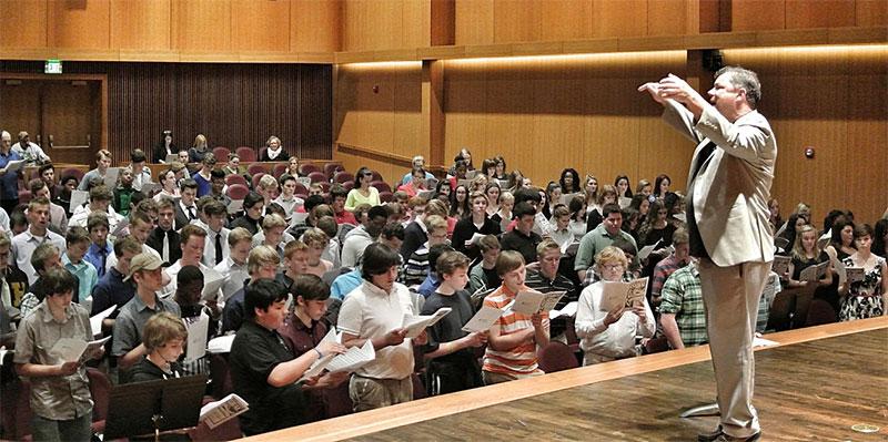 Photo of David Rayl, conductor