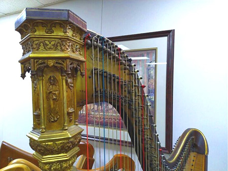 Photo of historic harp from the Michigan Harp Center