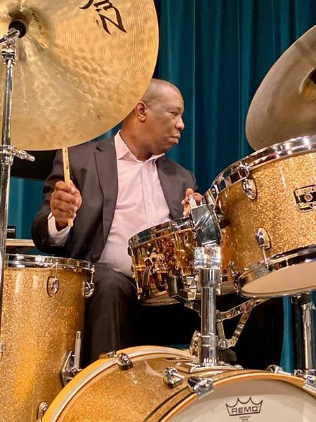 Photo of Kenny Washington, drums